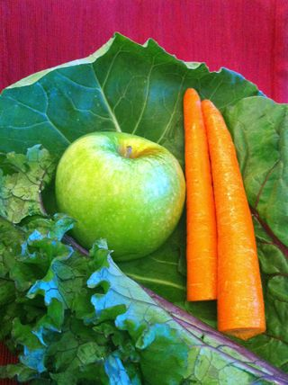 Juicing, vegetables, kale, collard greens, awake and living, carrots, apple